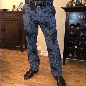 BANANA REPUBLIC PALM TREE CHINOS